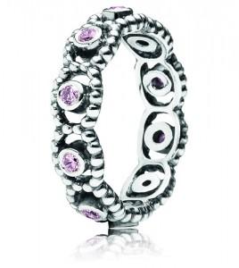 anillo pandora circonita violetas