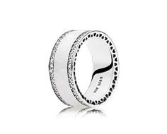 anillo pandora esmalte blanco